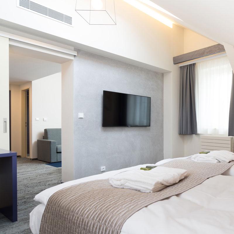 Pokoj Suite ve FAIRHOTELu Brno